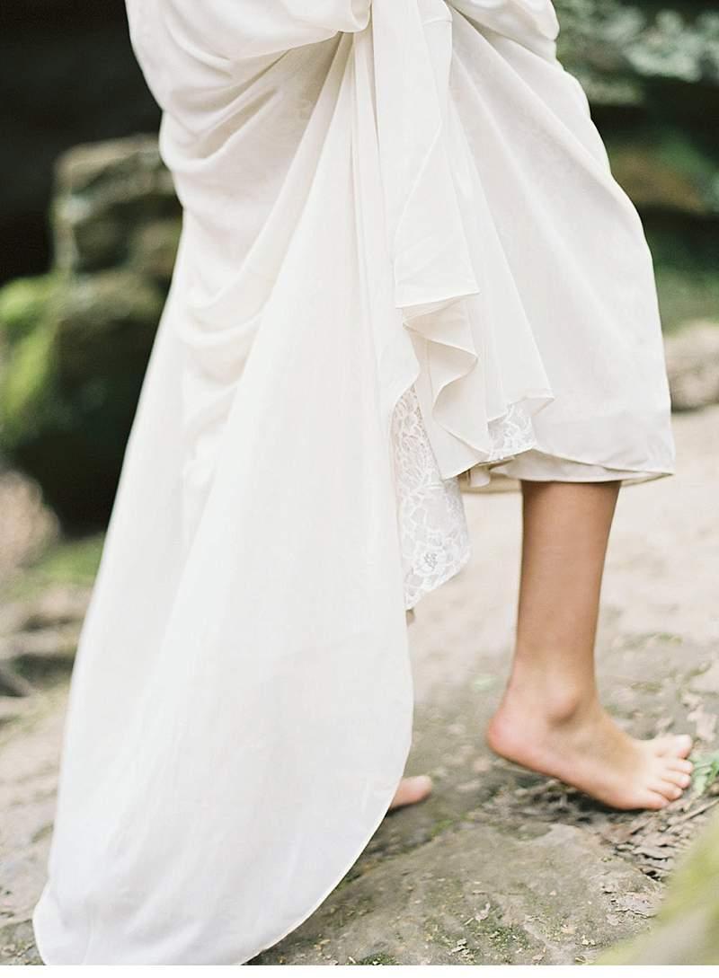 moody-cave-bridal-shoot_0008