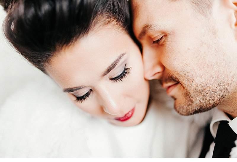 winter-elopement-inspirations_0033a
