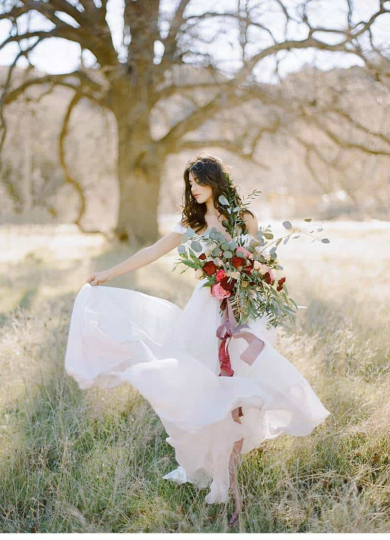 california-ranch-burgundy-wedding-inspiration_0005