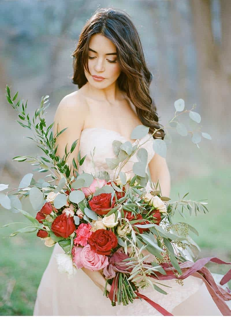 california-ranch-burgundy-wedding-inspiration_0012b