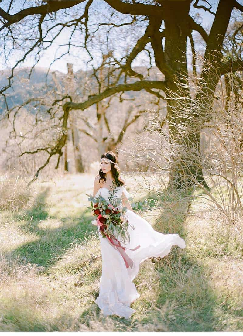 california-ranch-burgundy-wedding-inspiration_0027