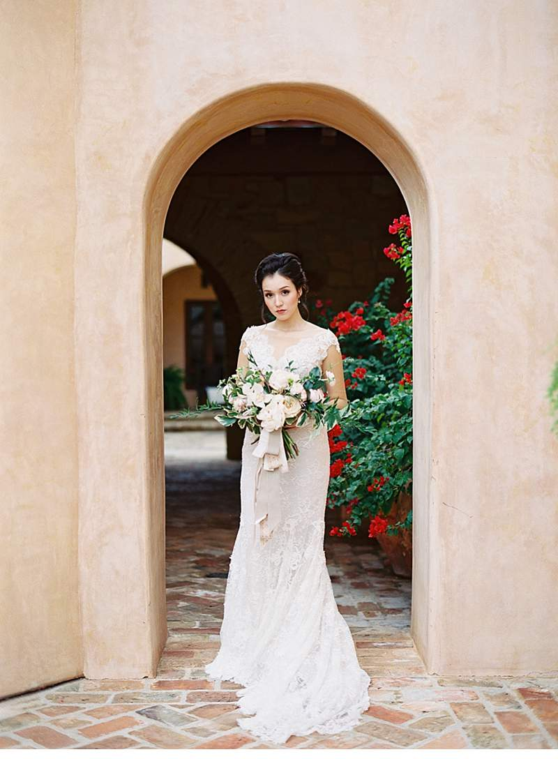 creamy-terra-cotta-arches-wedding-inspirations_0010