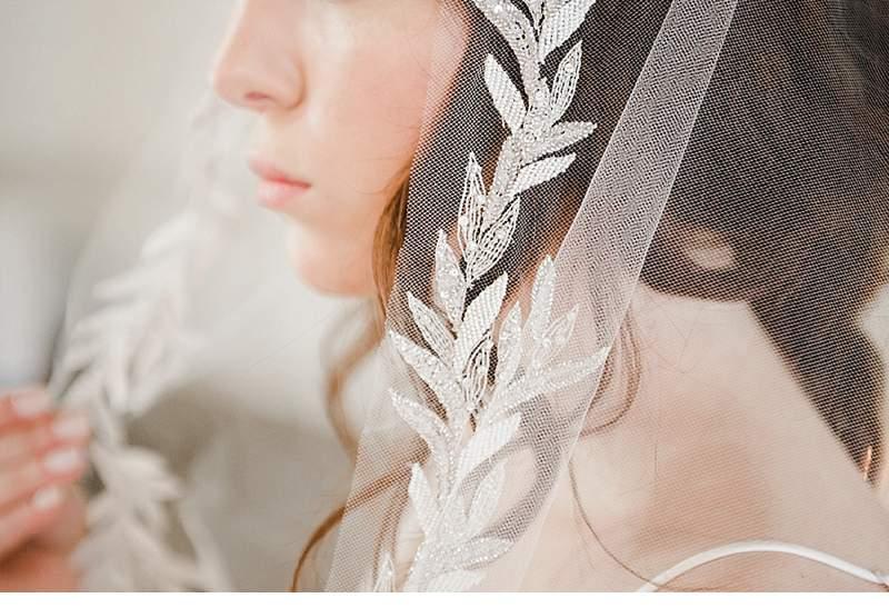 stimmungsvolles-boudoir-shoot-bridal-getting-ready_0010
