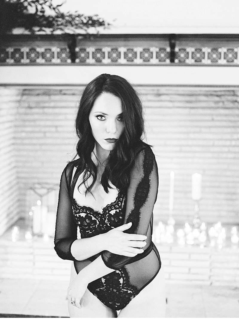 stimmungsvolles-boudoir-shoot-bridal-getting-ready_0015