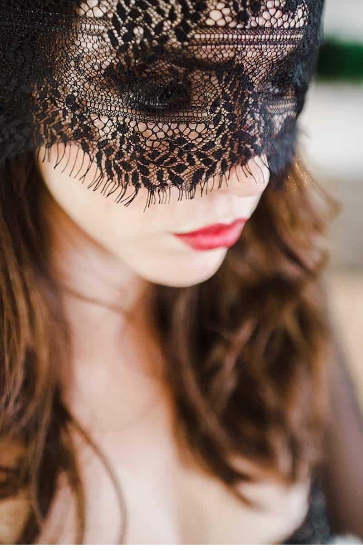 stimmungsvolles-boudoir-shoot-bridal-getting-ready_0018