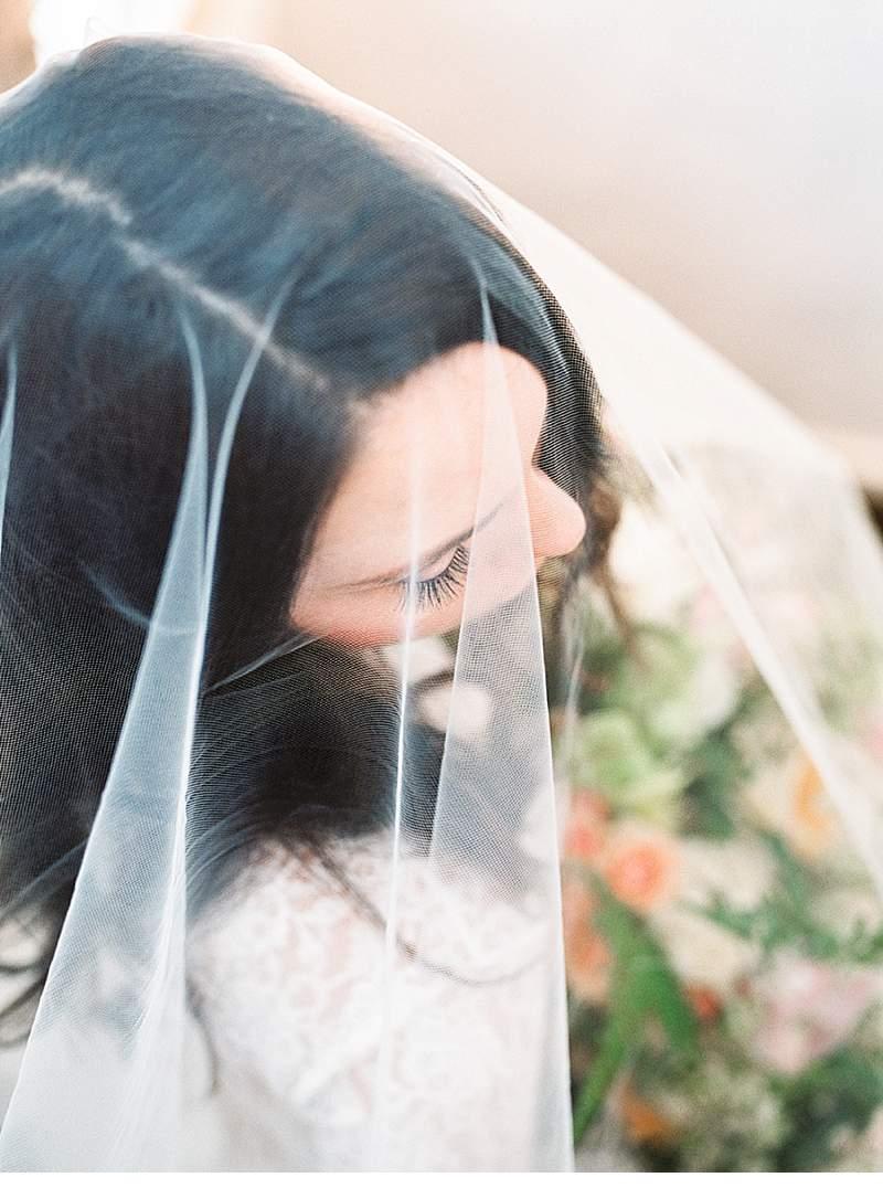 stimmungsvolles-boudoir-shoot-bridal-getting-ready_0022