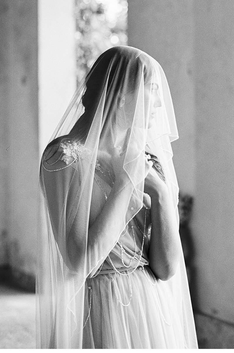 italian-elopement-vintage-car_0013a