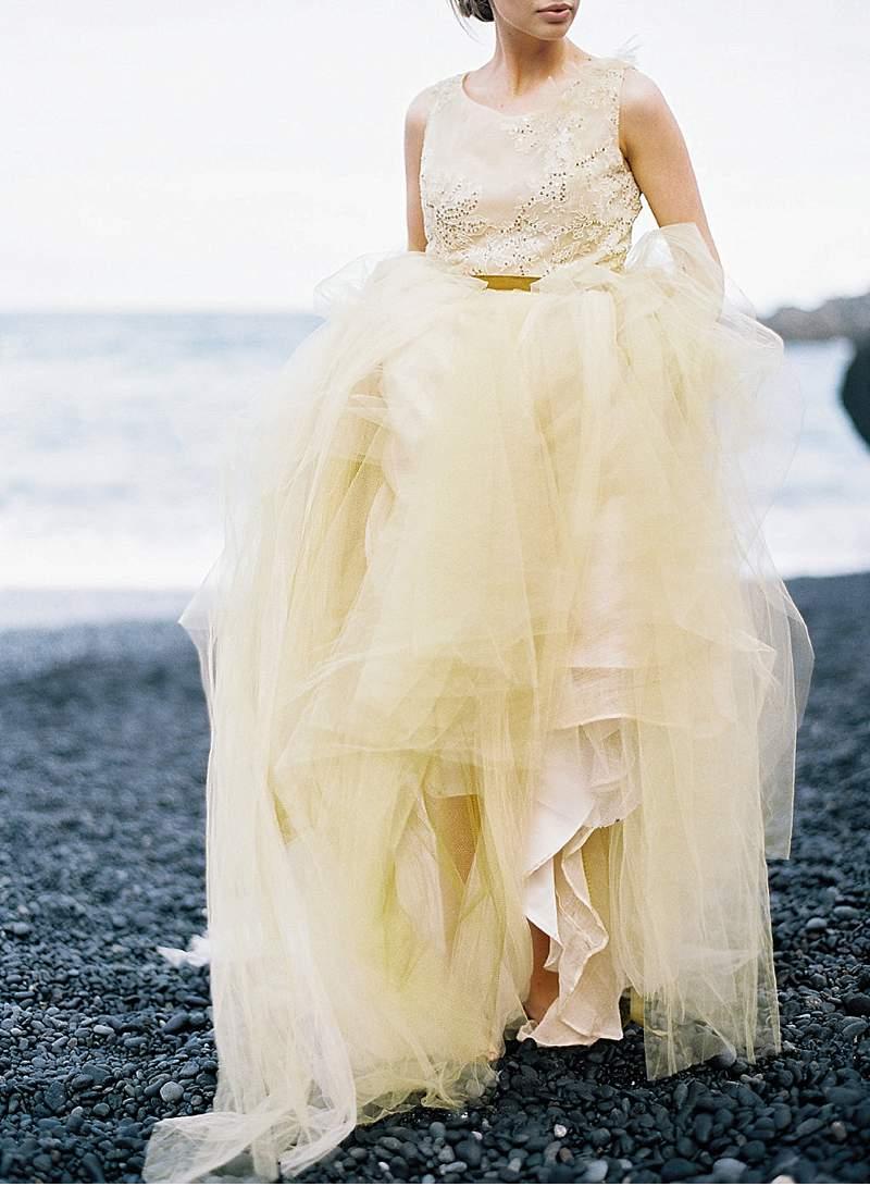 strandhochzeit-brautkleid-schwarz-gold-hawaii_0005