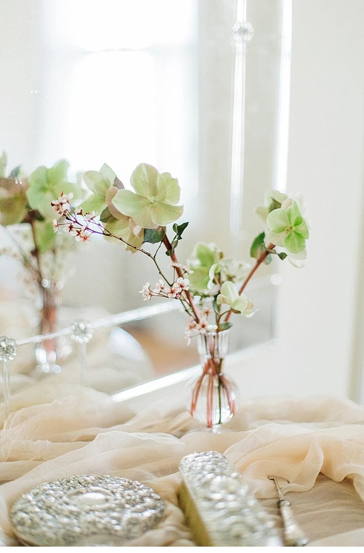bridal-boudoir-shoot-getting-ready_0003