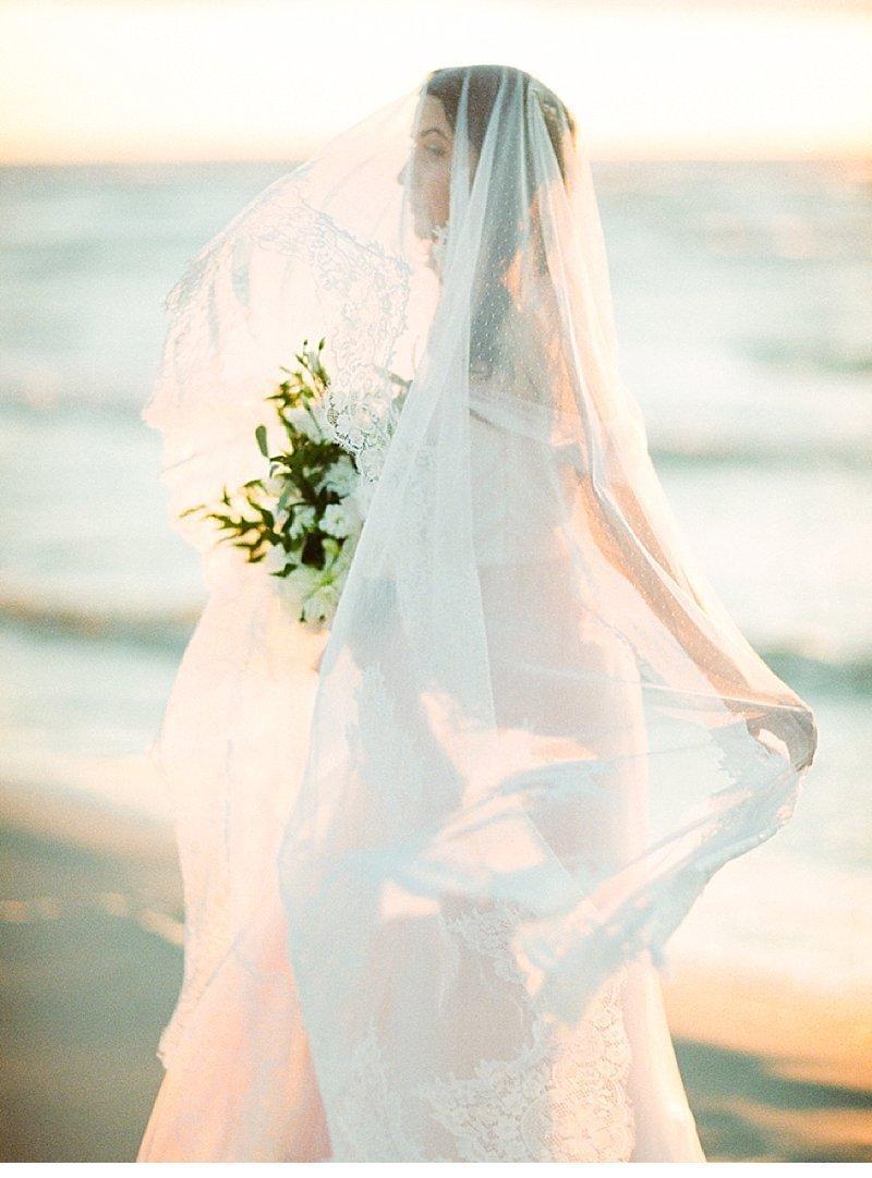 strandhochzeit-sonnenuntergang-tischdekoration-muscheln_0002